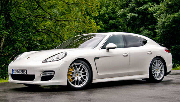 [Panamera] Porsche sort une Berline ^^ 2010-porshe-panamera-2